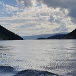 Meer-van-Kotor-mooie-lichtinval-water-en-bergen.jpg