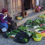 Baisha_groenten_verkoopster.JPG